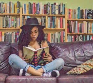 7 Ways to Attract Readers with Enticing Hooks